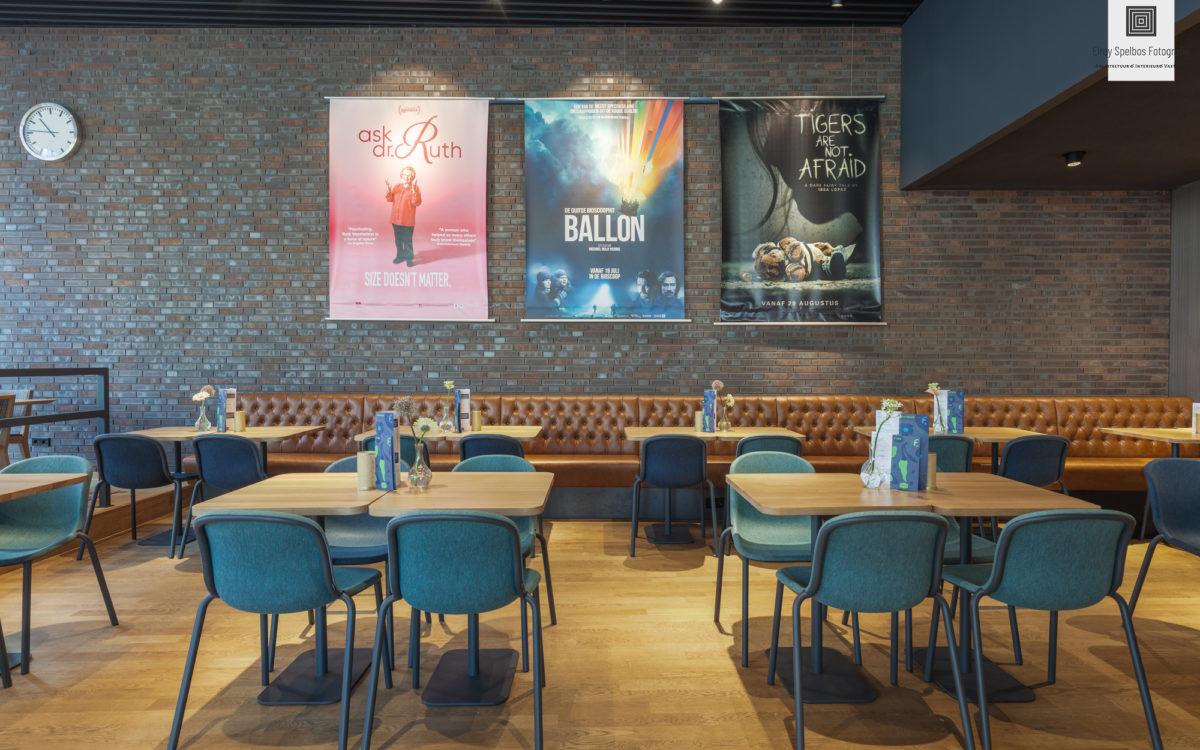 Tafeltjes in het restaurant van focus filmtheater in Arnhem