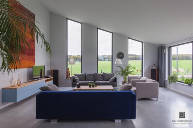 Woonkamer gefotografeerd door architectuurfotograaf Elroy Spelbos