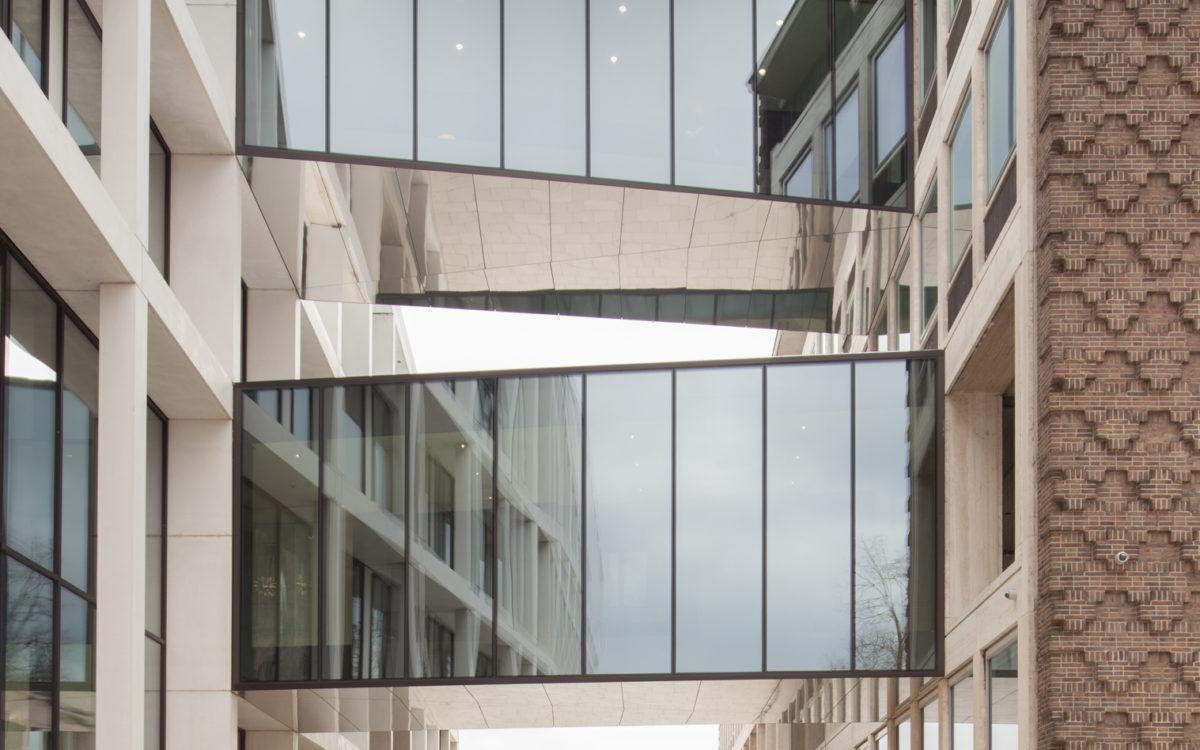 Een kantoorgebouw gefotografeerd door Architectuurfotograaf Elroy Spelbos