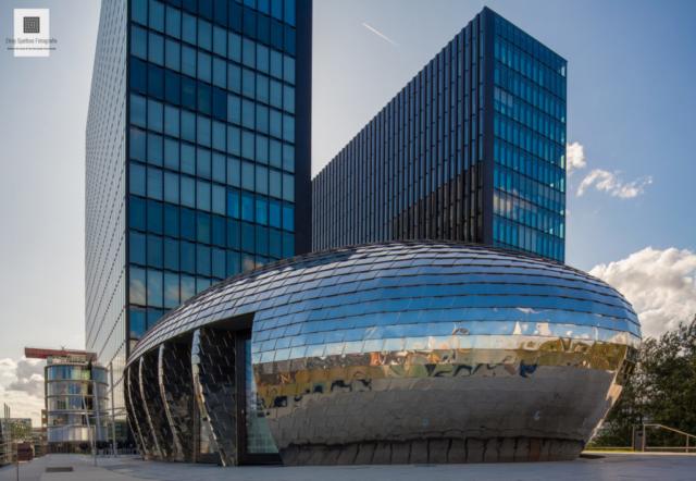 Hyatt hotel in Düsseldorf, door architectuurfotograaf Elroy Spelbos
