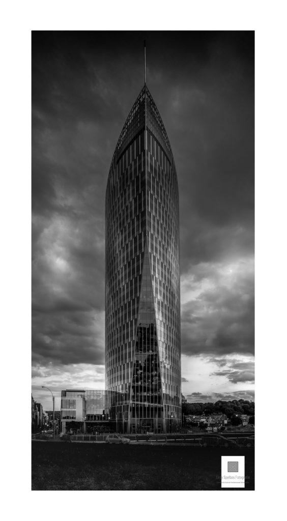 Architectuurfoto van de Paradis Toren in Luik België