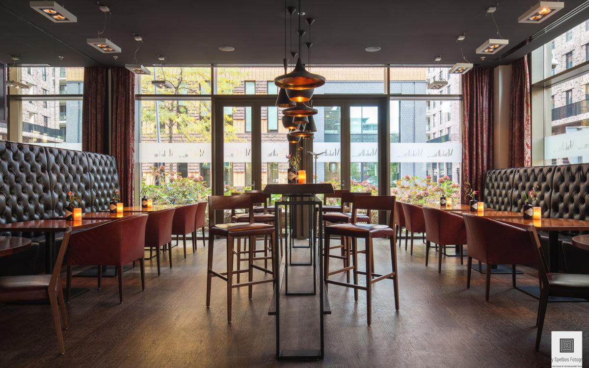 Hotel bar gefotografeerd door architectuurfotograaf Elroy Spelbos